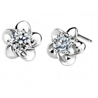 Flower Shape Solitaire Diamond Earring Studs In 5 Prong set Round Brilliant Diamonds.
