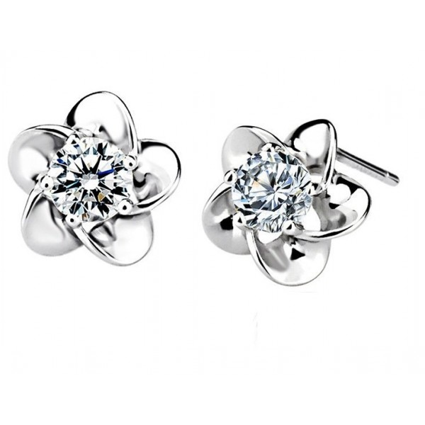 Flower Shape Solitaire Diamond Earring Studs In 5 G Set Round Brilliant Diamonds