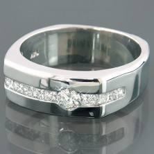 "1.10 Ct. Men""s Solitaire Diamond Ring With Round Brilliant Diamond and Side Princess Cut Diamonds"