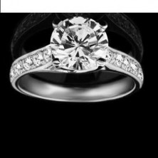 1,30 Ct. Round Brilliant Solitaire Diamond Ring With Round Brilliant Side Diamonds